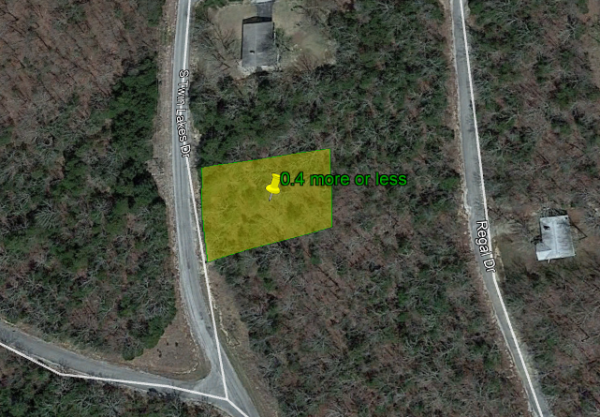 Trees, Drive-up in this Piece of lot in Arkansas