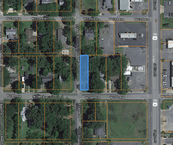 0.11-acre Close to a Shopping Center in Pine Bluff! Good Deal!